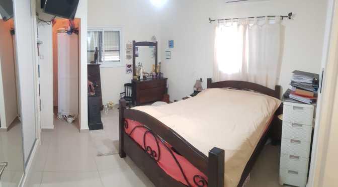 דירות למכירה בבת ים דירת 3.5 חדרים, משופצת, עם חניה באנילביץ בת ים