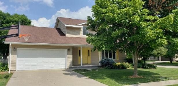 610 23rd, Newton, Iowa 50208, 4 Bedrooms Bedrooms, ,1 BathroomBathrooms,Residential,For Sale,23rd,35017122