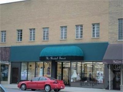 117 1st, Newton, Iowa 50208, ,Residential,For Sale,1st,35017250