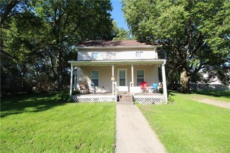 721 Elm, Grinnell, Iowa 50112, 3 Bedrooms Bedrooms, ,2 BathroomsBathrooms,Residential,For Sale,Elm,592023