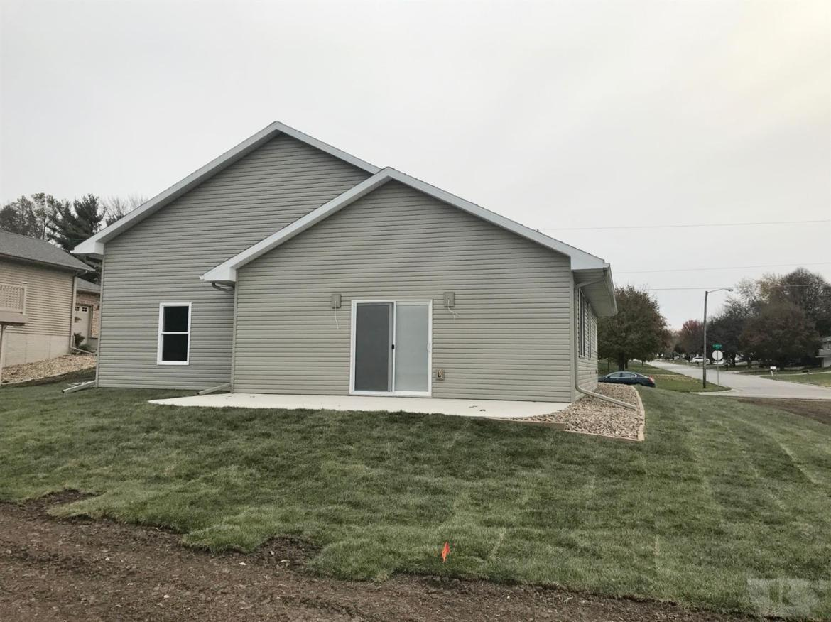 1207 7th, Marshalltown, Iowa 50158, 3 Bedrooms Bedrooms, ,1 BathroomBathrooms,Residential,For Sale,7th,35017688