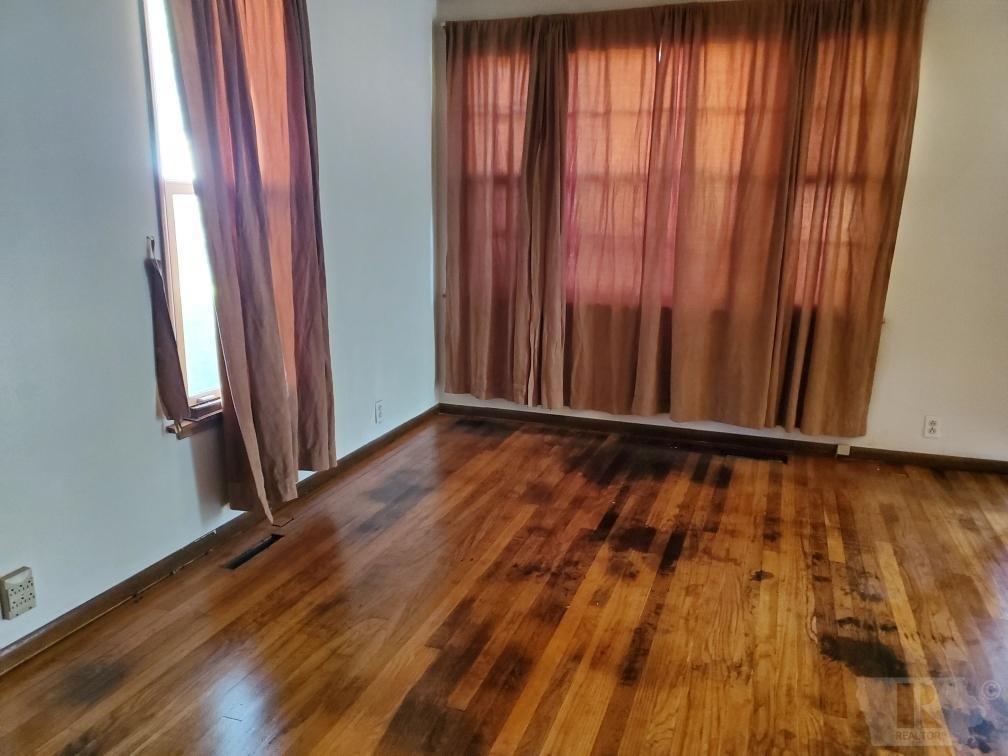 906 Nevada, Marshalltown, Iowa 50158, 2 Bedrooms Bedrooms, ,1 BathroomBathrooms,Residential,For Sale,Nevada,35017762