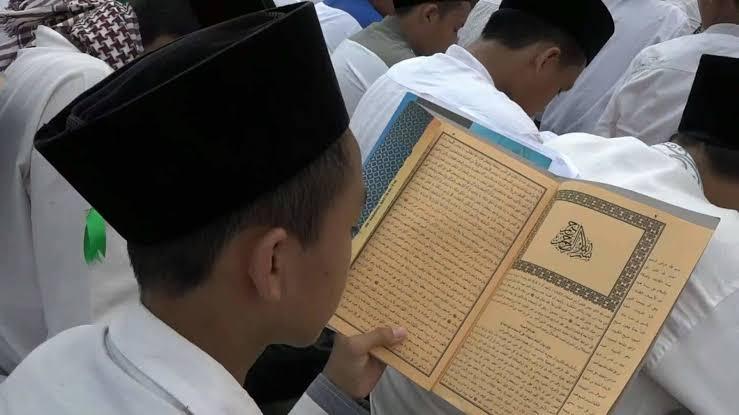Photo of Sekolah Berbasis Agama Tengah Naik Daun, Indikasi Masyarakat Mulai Siuman?