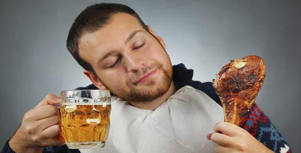 Exceso de comida y bebida