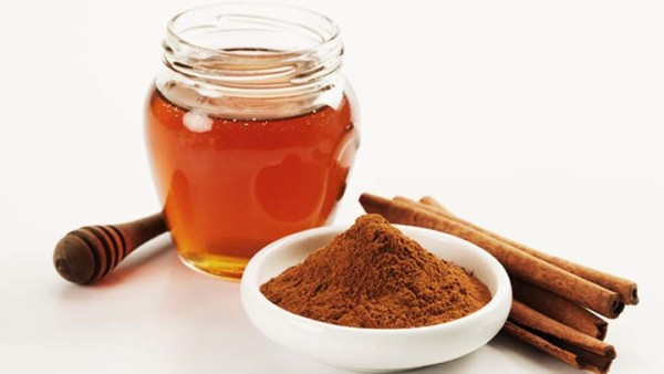 como puede bajar de peso con miel y canela
