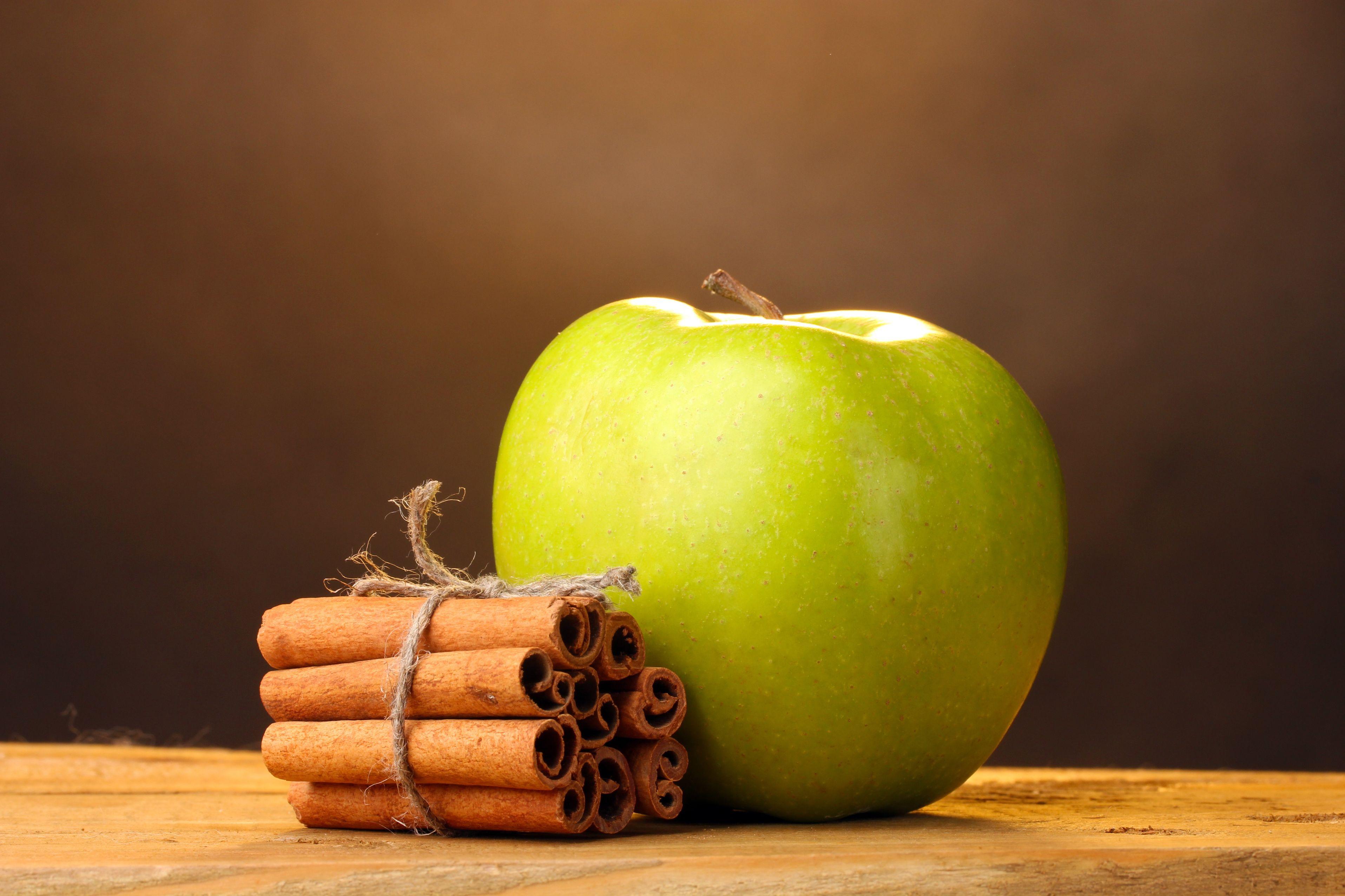 Beneficios de tomar té de manzana con canela