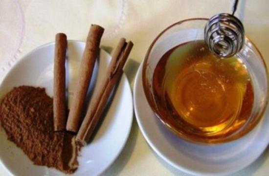 Remedio de canela con miel