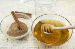 té de canela molida con miel de abeja