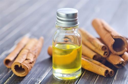 canela con aceite de oliva para la cara