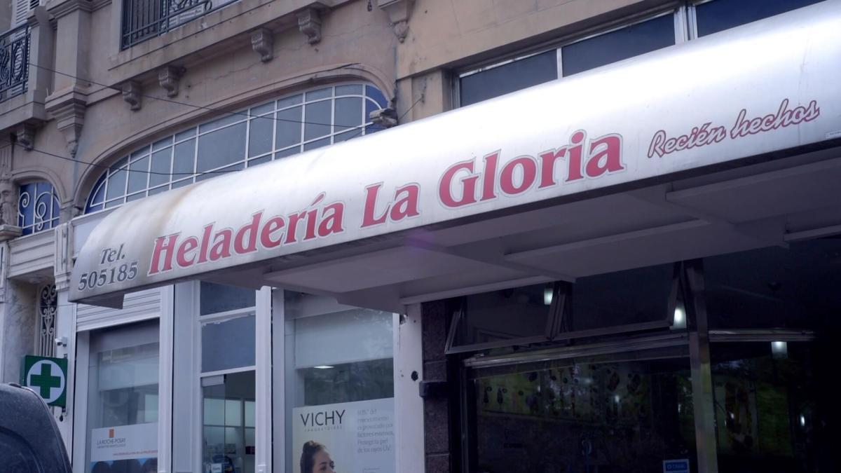 Cartel Heladería La Gloria