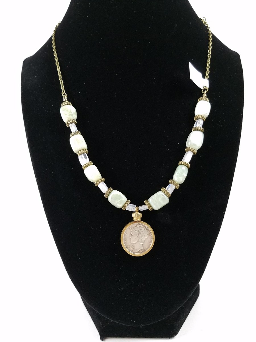 Necklace with Mercury dine and light green beads