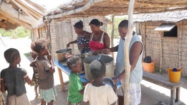 Service de cantine à l'école Graines de sable
