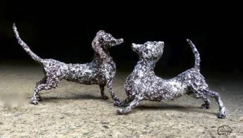 WAGGING-TAILS-silver-by-GUNN-4-ART--1024x584