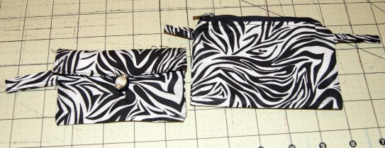 button pouch (l) and zipper pouch (r)