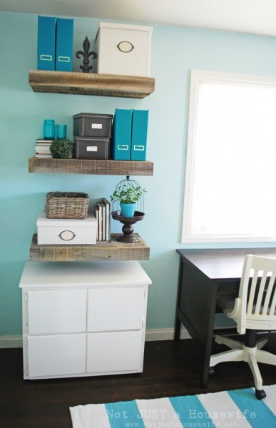 tipsaholic-reclaimed-wood-shelves-not-just-a-housewife