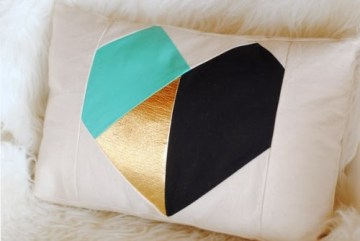 Add some real shape to your home with a few of these diy geometric projects for furniture, wall art, and more! 20 DIY Geometric Projects for Your Home ~Tipsaholic.com #geometric #decorating #diy