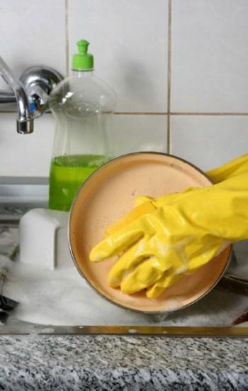 dish washing