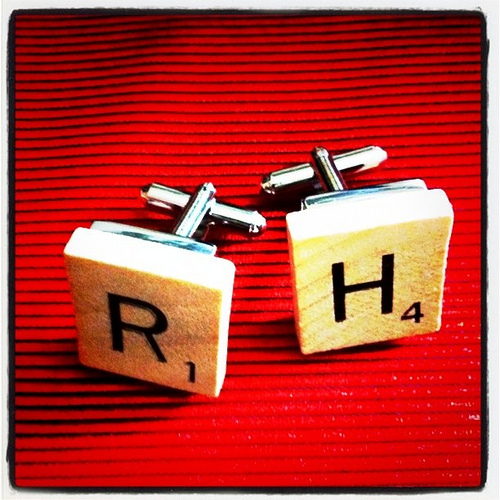 Check out these 18 DIY projects that you can make with scrabble tile. These scrabble tile DIY projects would make great gifts and fun decor for your home! 18 Clever Scrabble Tile DIY Projects via @tipsaholic #scrabble #tiles #diy #scrabbletiles #scrabbleprojects