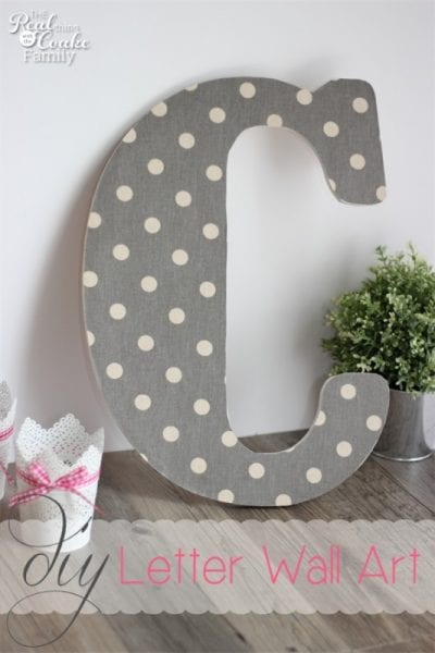 Create a home that really represents you, your family, and your style by trying a few of these personalized wall art DIY projects. 10 Personalized Wall Art DIYs ~ Tipsaholic.com #art #diy #project