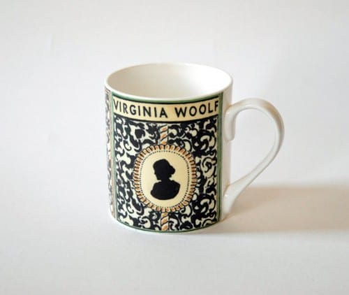 We all have at least one close friend or family member who is a total bookworm. Maybe they can't get enough of Harry Potter or are totally obsessed with reading all the classic novels. Find the perfect gift for that person with these 10 gifts for bookworms featured on Remodelaholic.com