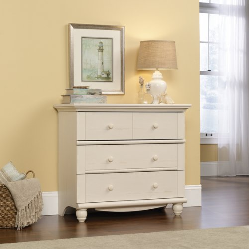 To get the look of Peter's gorgeous hand-painted dresser, you have some easy DIY options.