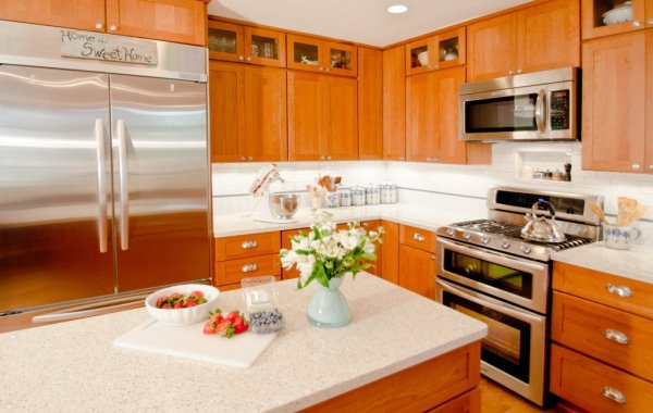 Cherry Kitchen with white quartz