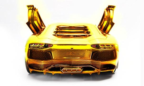 gold-platinum-and-diamond-encrusted-lamborghini-aventador-lp-700-4-model_100372517_m