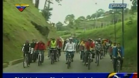 Maduro encabeza bicicletada del JPSUV | Captura VTV