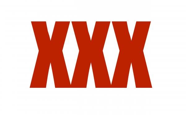 xxx Video   Cura tenía mega colección de porno [RD]