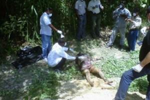 d227c7e0d7d952abfcd650985c301e45 620x412 Dos mujeres caen de camioneta; una muere [RD]