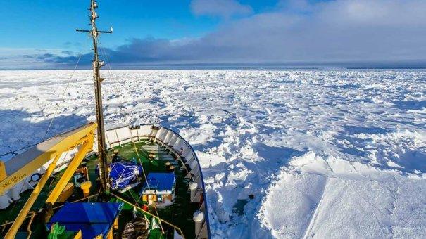 0010521184 No han podido rescatar barco atrapado en la Antártida