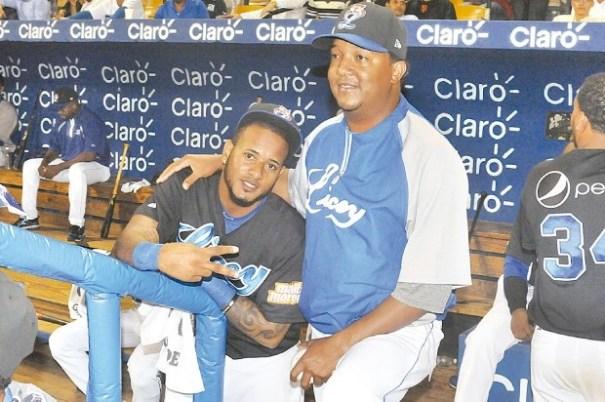 d068c8366fe47c04a0d9661239bbcc82 620x412 Pedro Martínez con el uniforme del Licey [Béisbol]