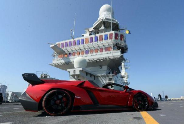 lamborghini Lamborghini Veneno Roadster de US$4.5 millones