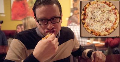 safe image Tipo que solo ha comido pizza en los últimos 25 años