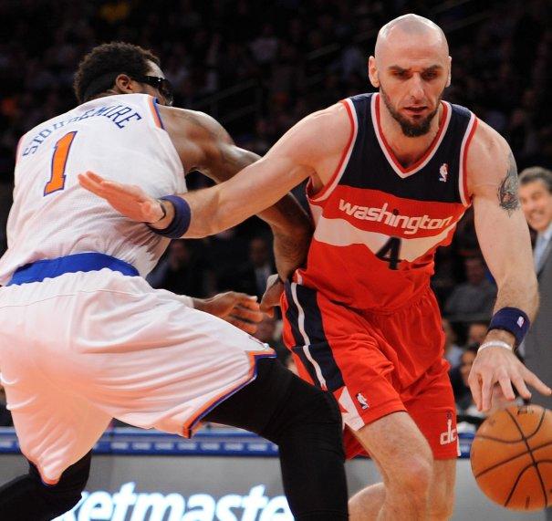 hi res 457209741 marcin gortat of the washington wizards drives against crop exact Jugador quiere que la NBA permita las peleas