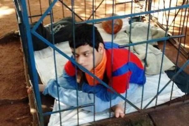 2dad494d555c1b1cedb1e6a8a4682bd1 620x412 Así mantenía un hombre a su hijo discapacitado [Paraguay]