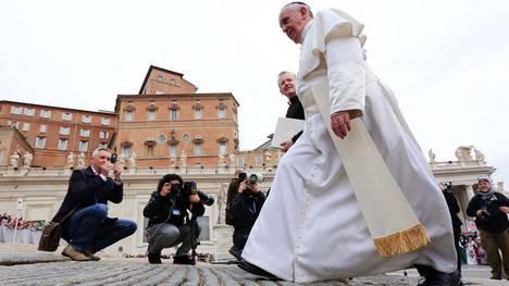 Francisco-divorciada-sacramento-Eucaristia-REUTER_CLAIMA20140423_0113_17 (1)