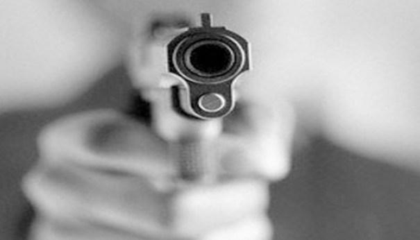 hierenmenor Policías matan 3 presuntos atracadores; niño resulta herido en el tiroteo [RD]