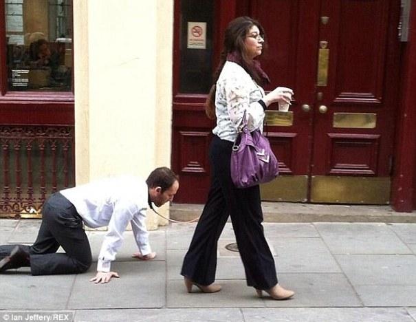 lead Pasean al tipo por las calles de Londres [fotos]