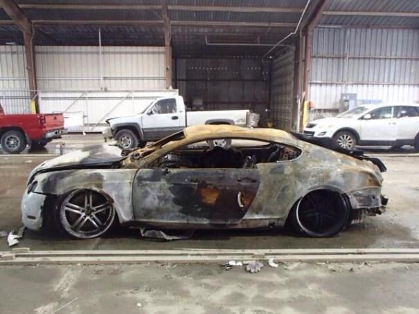 20140609 163107 59467720 Bentley Continental GT quemado en venta por US$56 mil