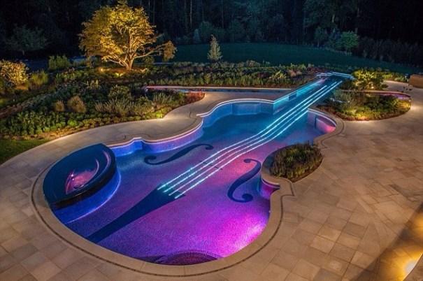 20140616 141440 51280934 Banquero construye lujosa piscina de US$1 millón en forma de violín [fotos]