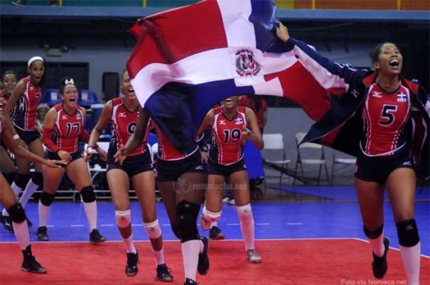 voleibol Santiago militarizado, carajito por salami, voleibolistas criollas al mundial!