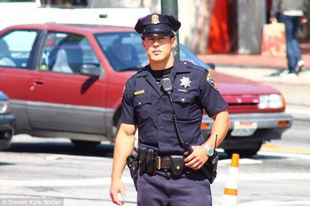20140710 130342 47022031 El policía sexy de San Francisco se vuelve viral en las redes
