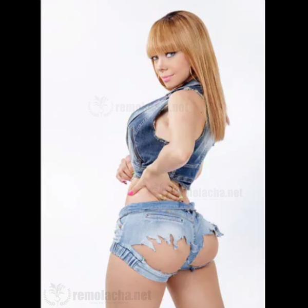 materialista FOTO   El nuevo look atrevido de rapera dominicana