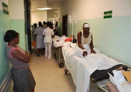 2S2D7D2D2Ahaitiana_en_hospital_dominicano_