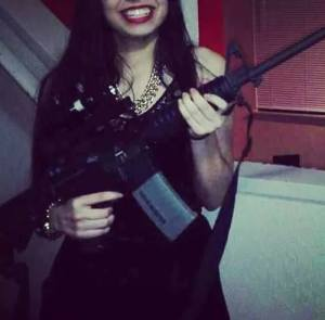 mujeres narco4 Selfies de narco jevas