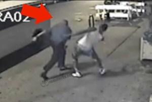 golpizad Video   Policías dando brutal golpiza [NY]