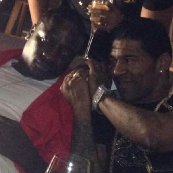 ok1 Fotos   Omega en Africa con Akon