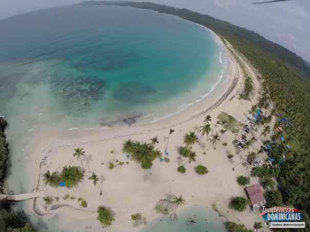 Playa-Rincon-Samana-d