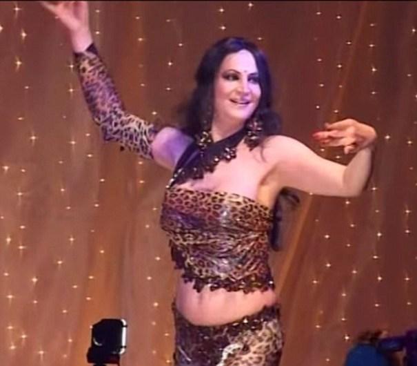 image208 Bailador de belly dance transgénero de Marruecos